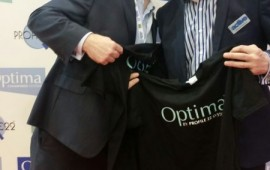 Market leaders posing with market leading Optima T-shirts! Andy  @glasstimes & Steve @windowsactive say cheese!